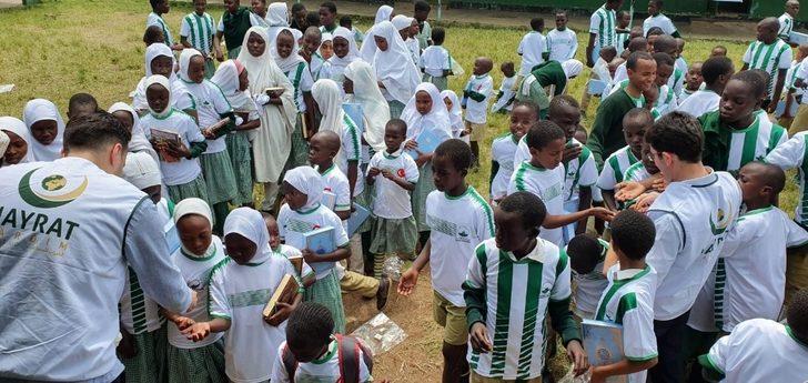Kenyalı çocuklara Bursaspor forması