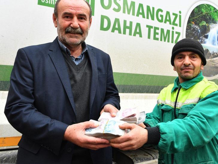 Temizlik görevlisi çöpte bulduğu 125 bin TL'yi sahibine teslim etti