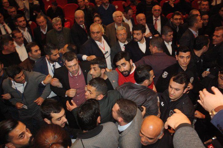 Mersin'de CHP kongresinde gerginlik! Seçime girmesi engellenince...