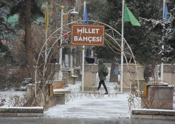Erzincan soğuk hava: Refahiye ilçesi eksi 17'yi gördü