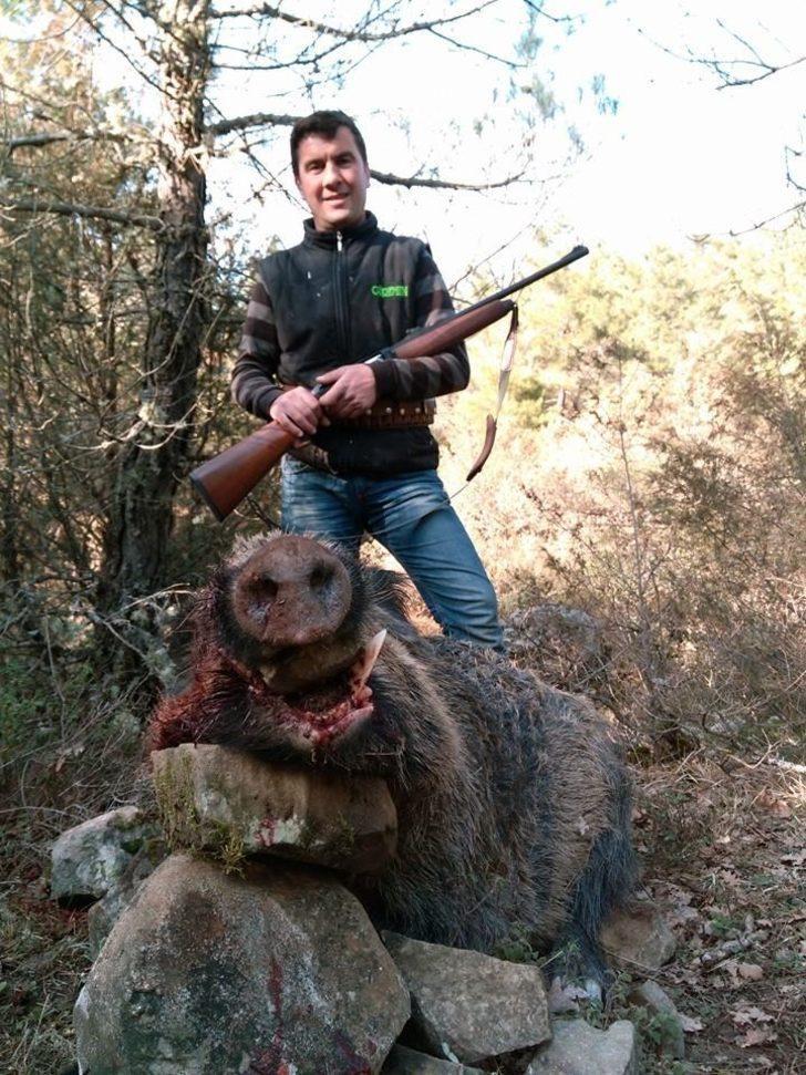 Lapsekili avcılar sezonun son sürek avını yaptı
