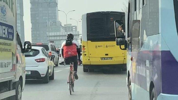 D-100 Karayolu'nda engel tanımayan bisikletli