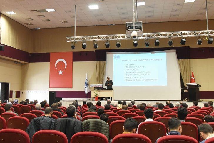 KMÜ'de toprak verimliliği ve gübre konferansı