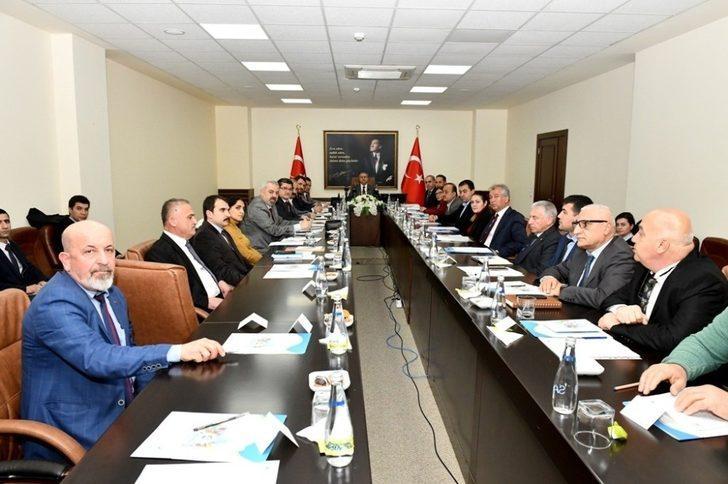 'Deniz Çöpleri Yönetim Komisyonu Toplantısı' Vali Su başkanlığında yapıldı