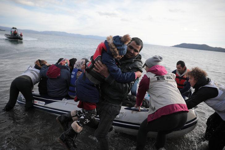 Yunanistan sınıra asker yığıyor!