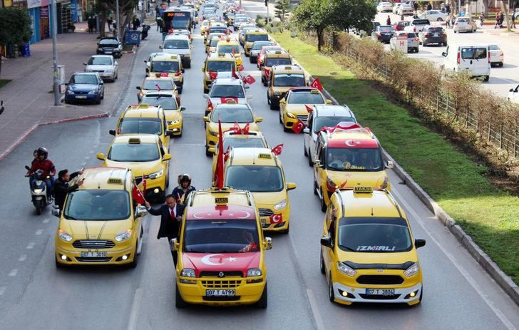 Antalya'da 3 bin araç şehitler için konvoy oluşturdu