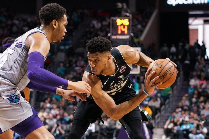 NBA'de Giannis-Durant düellosuna sahne olan maçı Bucks kazandı