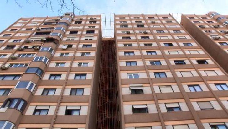 İstanbul'da korkunç olay! 8'inci kattan aşağı atladı