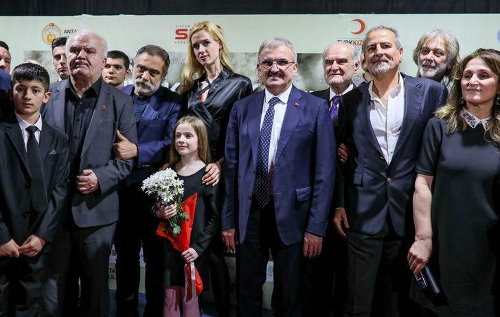 'Mendilim Kekik Kokuyor' oyuncularından Mehmetçik mesajı
