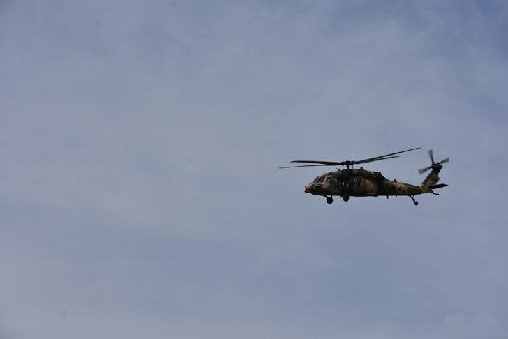 Sınırın sıfır noktasında helikopter hareketliliği