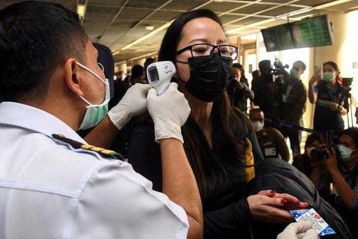 Çinli bilim insanları: Koronavirüs mutasyon geçiriyor