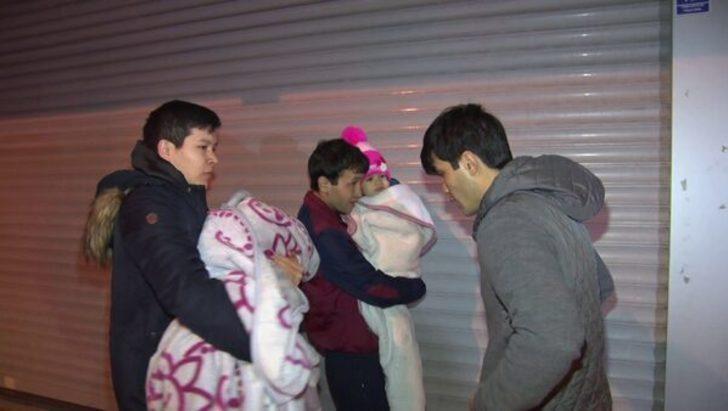 Zeytinburnu'nda yangın paniği! Apartmandakiler tahliye edildi