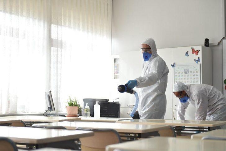 Milli Eğitim Bakanı duyurdu! Okullarda koronavirüse karşı önlem