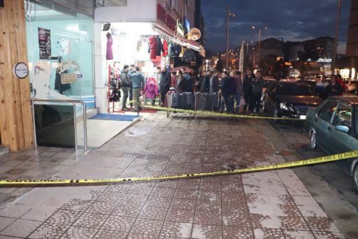 Sokak ortasında silahlı saldırı! Kanlar içerisinde kaldı