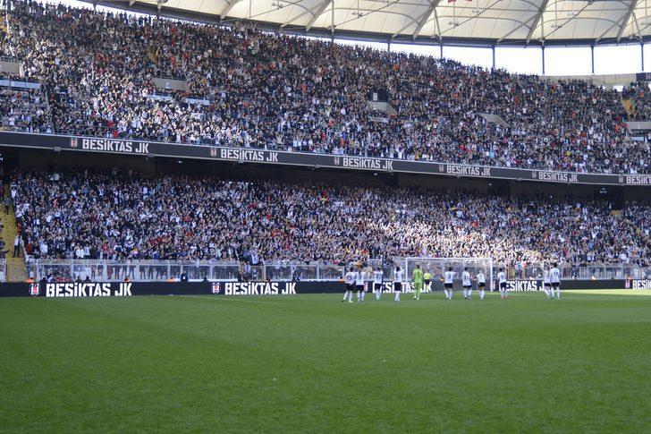 Beşiktaş - Atletico Madrid kadın futbol maçında seyirci rekoru kırıldı