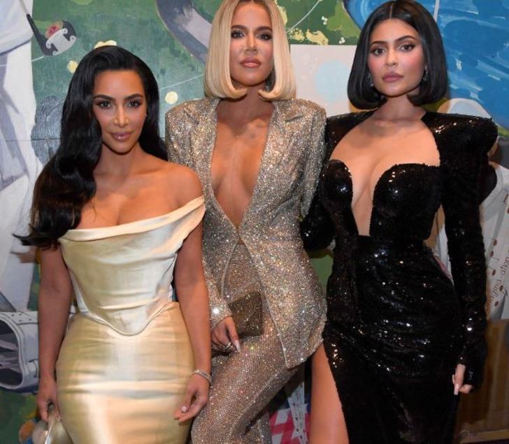 Khloe Kardashian: Kylie Jenner bebeğini emzirmemeyi seçti