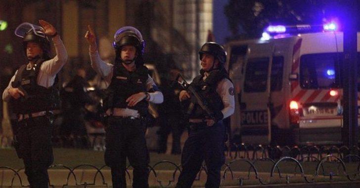 Fransa'da camiye giren saldırgan kurşun yağdırdı