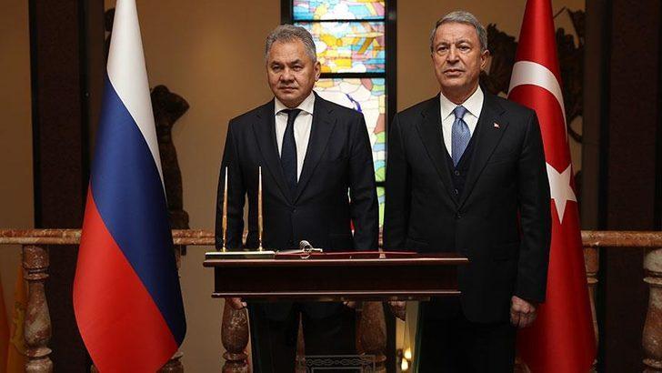 Milli Savunma Bakanı Akar ile Rus mevkidaşı Şoygu'dan İdlib görüşmesi