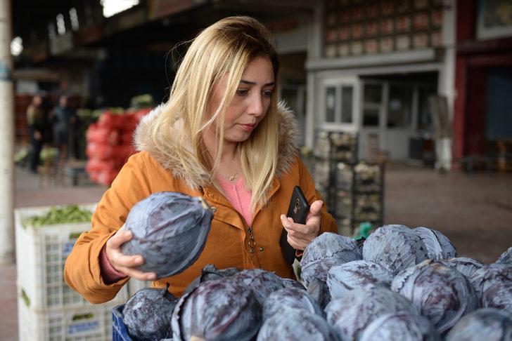 Koronavirüs ihracatı azalttı, bazı sebze ve meyvelerin fiyatı yüzde 90 düştü