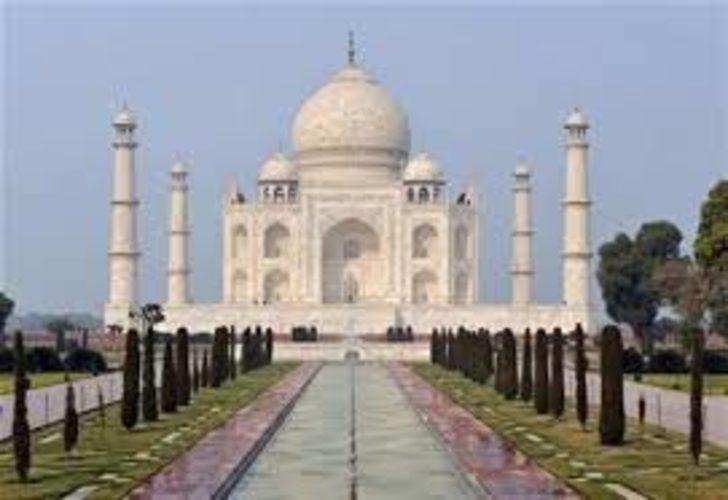 Koronavirüs nedeniyle Tac Mahal ziyarete kapatıldı