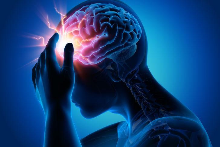 Baş ağrısına ne iyi gelir diyenler için ağrıyı bıçak gibi kesen yöntemler