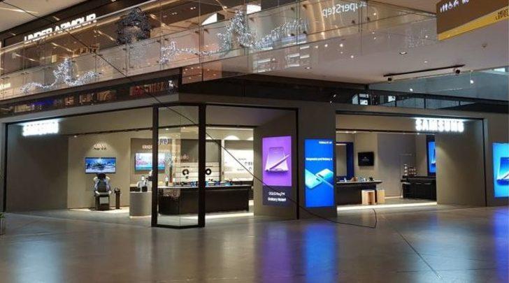 Samsung mağazalarını geçici süreyle kapattığını duyurdu.