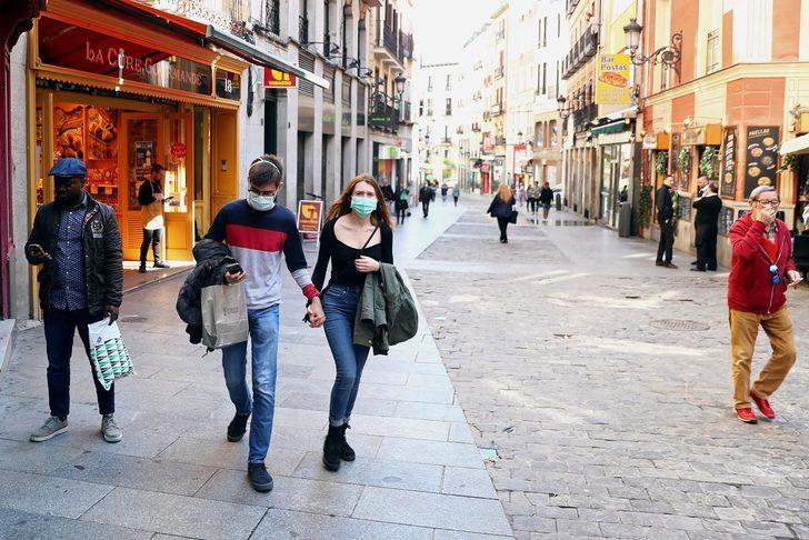 Madrid'de koronavirüsten ölenlerin cesedi, morg olarak buz pistinde bekletilecek