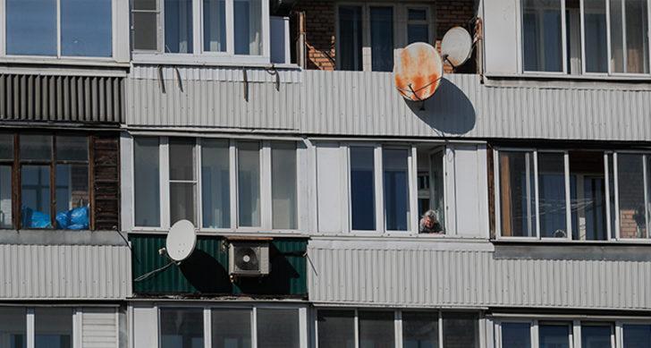 25 katlı apartman tamamen karantinaya alındı