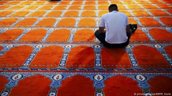 Ramazan'da camiler açık olacak mı? Teravih namazı cemaatsiz nasıl kılınır?