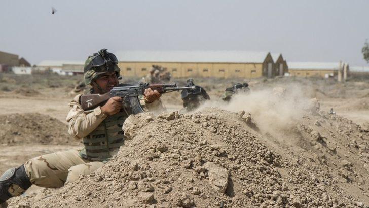 Irak'ta Amerikan ve İngiliz askerlerinin bulunduğu üsse roket saldırısı: 3 ölü