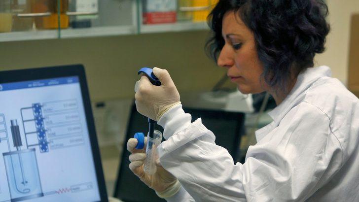 Koronavirüs (Covid-19): Dünyada vaka sayısı 100 bini aştı, aşı ihtimali var mı?