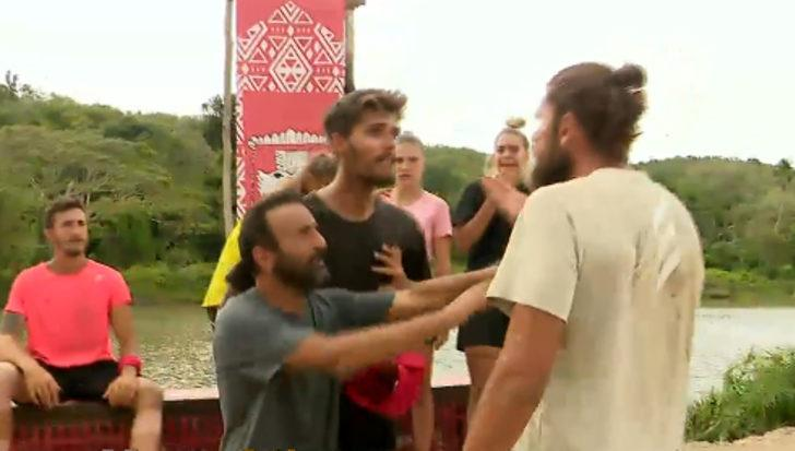 Survivor'da Mert ve Barış kavgası! Survivor ödül oyunu sırasında birbirlerine girdiler!
