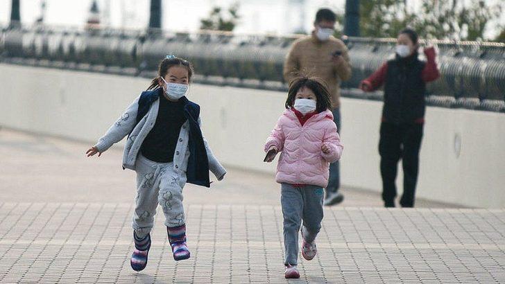 Koronavirüs çocukları nasıl etkiliyor?