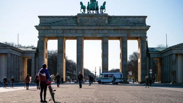 Koronavirüs: Almanya salgınla mücadelede neden fark yaratıyor?