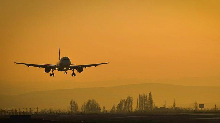 'Tıbbi malzeme yüklü uçak engellendi' iddiası! Önce paylaştı sonra sildi