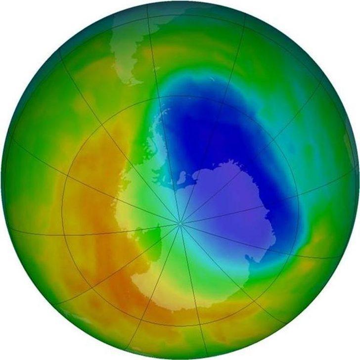 'Antarktika üzerindeki ozon tabakası kalınlaşıyor'