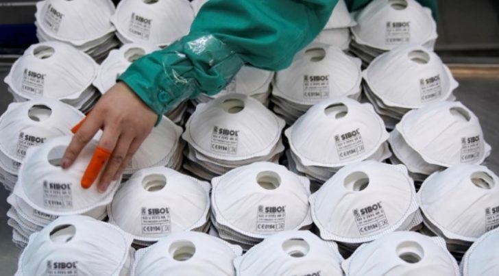 Hollanda Çin'den ithal ettiği maskelerin 600 binini tek tek toplatıyor