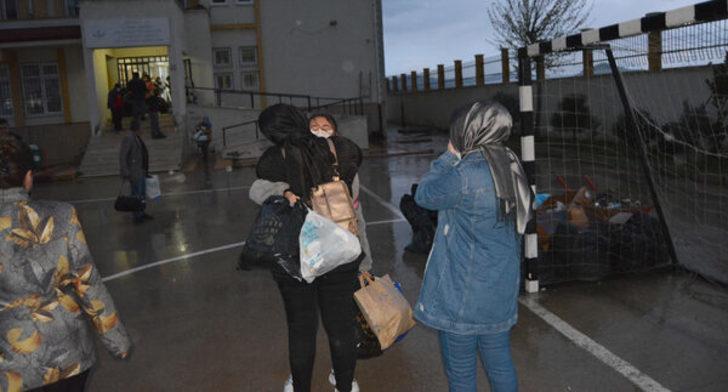 14 günlük koronavirüs karantinası bitti öğrenciler ailelerine kavuştu