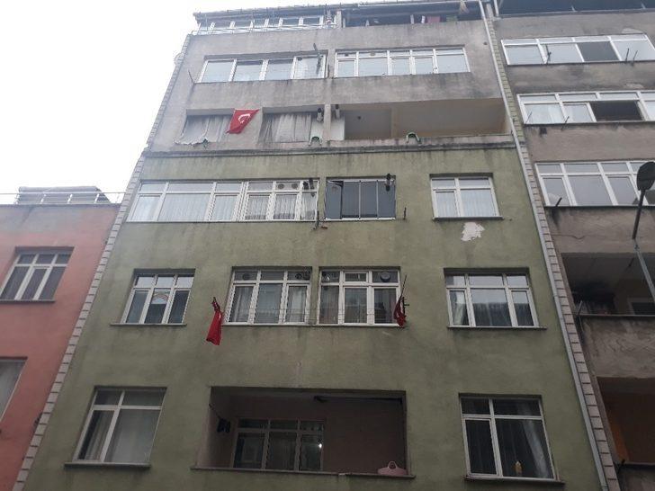 İstanbul Küçükçekmece'de korkunç olay: Annesini boğarak öldürdü