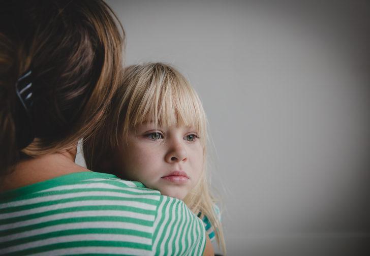 Ebeveynler çocuklarda görülen kaygılarla mücadelede nasıl bir yol izlemeli?