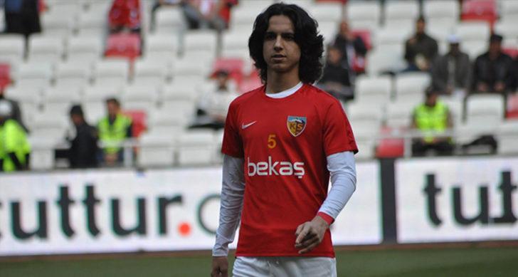 17 yaşındaki Emre Demir, 28 maça 7 farklı hoca ile çıktı!