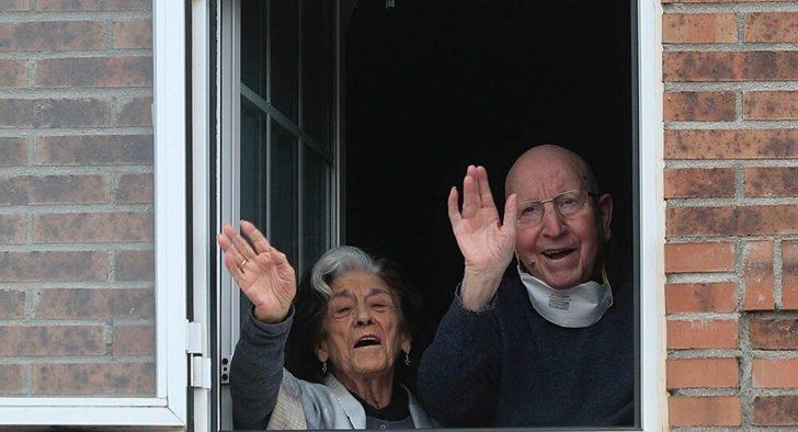 İspanya'da 88 yaşındaki bir çift koronavirüsü yendi