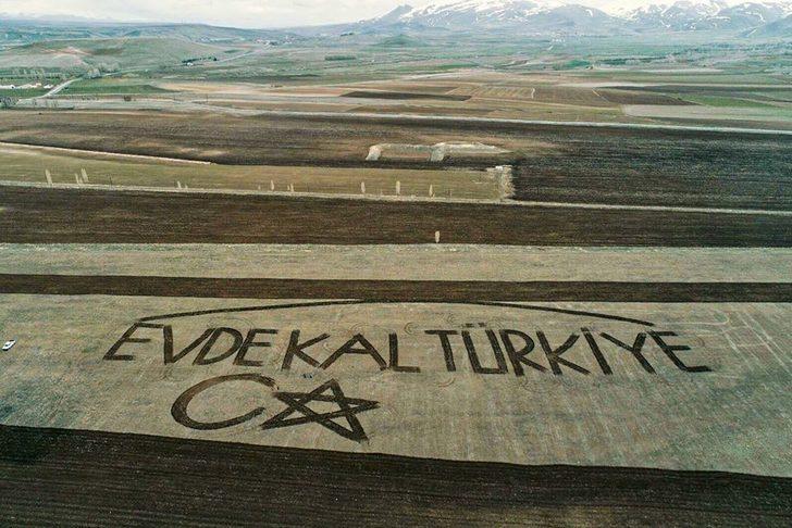 Çiftçilerden koronavirüs mesajı! Traktörle yaptılar