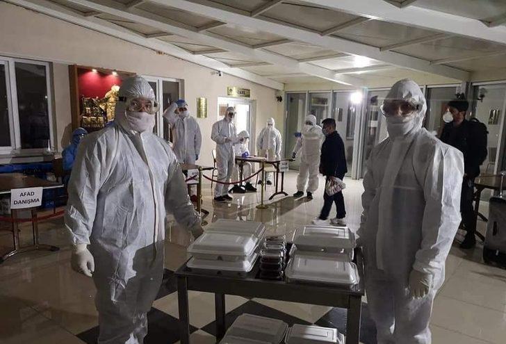 Cezayir'den gelerek karantinaya alınan işçiler durumlarından memnun