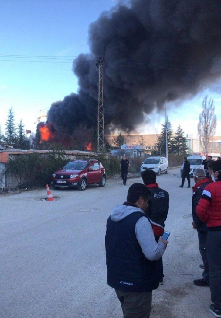 Başkent'te market deposunda yangın