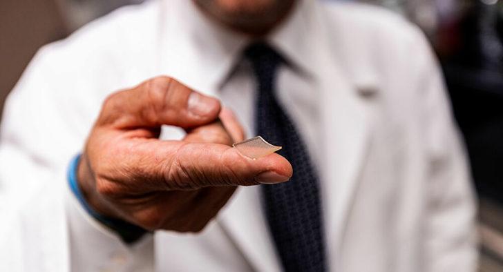 ABD'de mikro iğneli bant şeklinde koronavirüs aşı prototipi geliştirildi