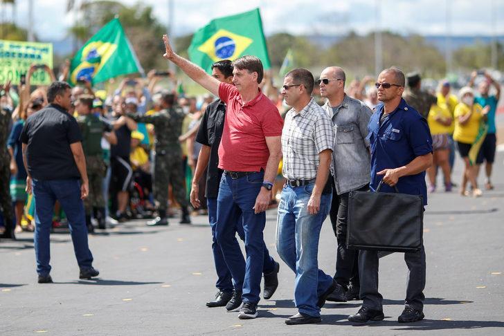 Bolsonaro sokağa çıktı, 'askeri müdahale' istedi!