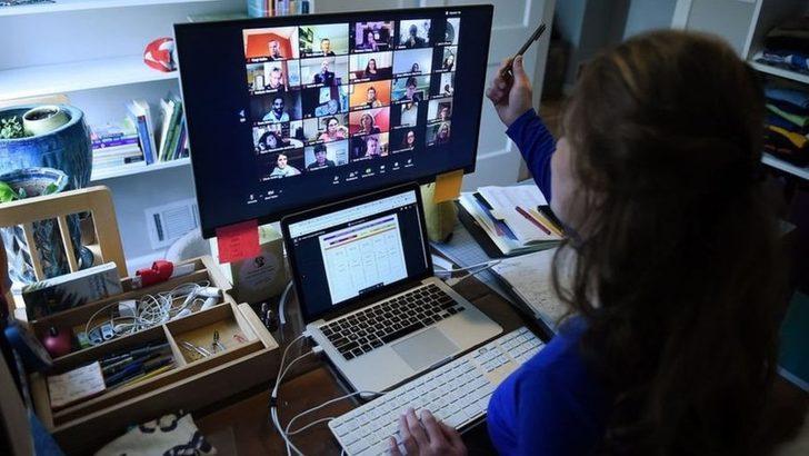 Zoom: Hollanda'daki okulların çoğu güvenlik gerekçesiyle video konferans uygulamasının kullanımını yasaklıyor