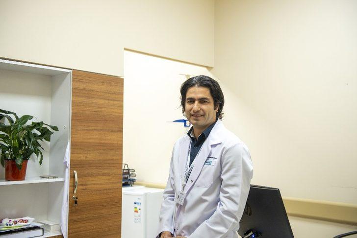 """Dr. Gökosmanoğlu: """"Tiroit kanserinde erken tanı başarıyı arttırır"""""""