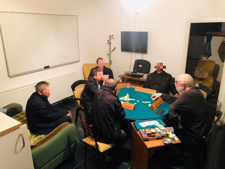 Kumar oynarken yakalanan 6 kişiye, 18 bin 900 TL para cezası